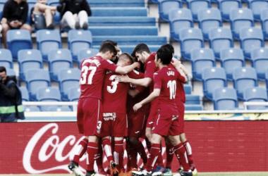 Los jugadores del 'Geta' celebran el gol de Ángel. / Foto: La Liga