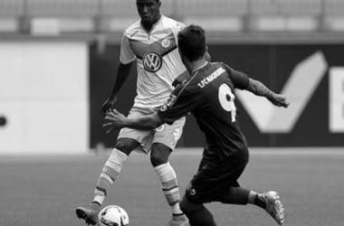 Ascues llegó al Wolfsburgo en julio de 2015. Foto: libero.pe
