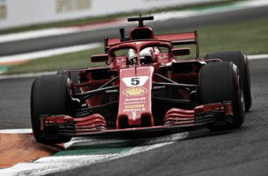 Sebastian Vettel en la Variante della Roggia, que podría desaparecer de Monza | Fuente: Getty Images