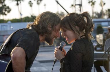 """Confira novas imagens de Lady Gaga e Bradley Cooper no longa """"Nasce Uma Estrela"""""""