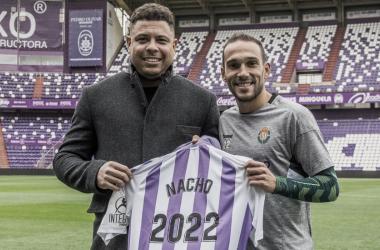 Nacho y Ronaldo con la camiseta de 2022 | Real Valladolid