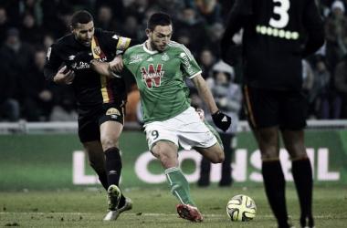 Em jogo de seis gols, Saint-Étienne consegue empate ante Lens nos minutos finais