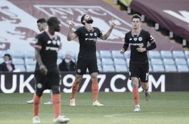 Giroud marca e garante vitória do Chelsea de virada contra Aston Villa