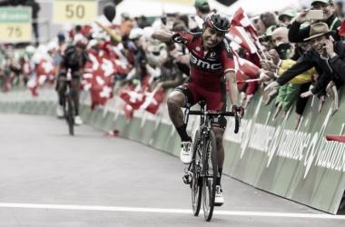 Darwin Atapuma celebra la victoria conseguida | Foto: Tour de Suiza