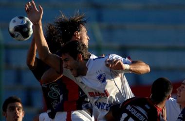 Imagen del último partido disputado entre Atenas y Nacional (Clausura 2010) con victoria para los tricolores por 0-6. Foto: Montevideo COMM.