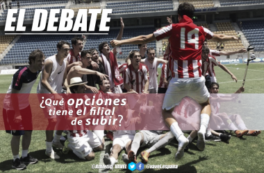 Los jugadores del filial celebran el anterior ascenso. | Foto: Athletic | Montaje: Santiago Arxé Carbona (VAVEL)