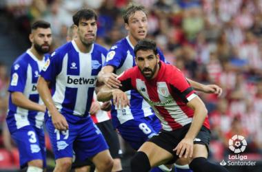 El Alavés no pudo ganarle al Athletic Club como visitante y cayó 2-0 la jornada pasada en San Mamés// Foto LaLiga.es