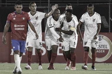 Bolivianos destacam 'golpe duro' de Walter em vitória na altitude boliviana pela Libertadores