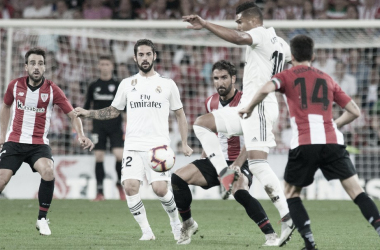 pugna por el balón entre jugadores del Real Madrid y Athletic Club,. (Athletic-Club.eus)