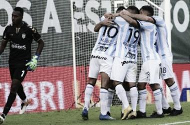 Tremenda victoria del 'Decano', que sigue dando pelea por un cupo a la Copa Libertadores. Foto: Todo Noticias.