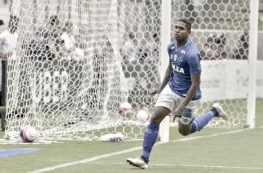 O jovem camisa 17 foi o responsável pelo único gol da partida (Foto: Washigton Alves/Light Press)