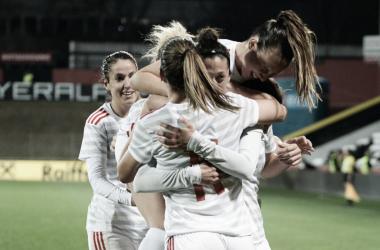 Celebración por el gol de Jenni Hermoso frente la Selección de Austria. Fuente: RFEF (cortesía de Mirko Kappes).