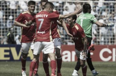 Auzqui celebra uno de sus goles | Foto: Arg Noticias.