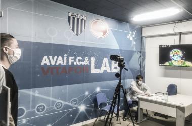 Quatro atletas do Avaí testam positivo para Covid-19