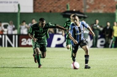 Avenida faz gol nos acréscimos e Grêmio segue sem vitórias no Gauchão