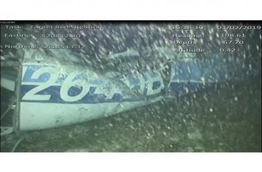Corpo é encontrado nos destroços do avião que carregava Sala