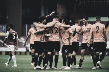 Wolverhampton confirma favoritismo, vence Aston Villa e chega a oito jogos de invencibilidade
