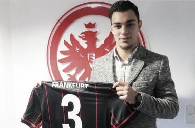 El Eintracht se refuerza en el mercado invernal