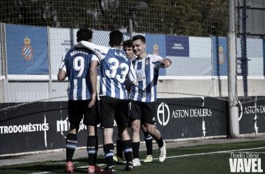 Jugadores celebrando el primer tanto. Fotografía: Noelia Déniz (Vavel)