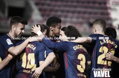 El FC Barcelona B celebrando un gol con mucha presencia de canteranos | Foto: Noelia Déniz, VAVEL