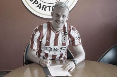 Lennart Thy firma hasta 2022 conSparta Rotterdam | Foto:@SpartaRotterdam
