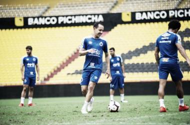 Para manter 100% de aproveitamento, Cruzeiro recebe Emelec pela Libertadores