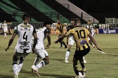 Mitre se quedó con el partido de la primera rueda por 2 a 1 (Foto: Periódico La Estación)