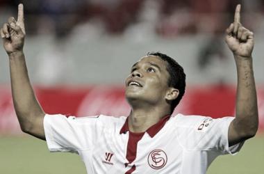 Bacca agrada ao Benfica