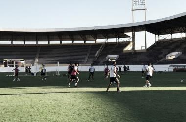 Time campineiro treinou na Fonte Luminosa, palco da partida desta terça-feira (24) (Foto: Marcos Chiocchini)