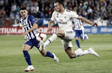 Bale controla el balón durante el partido en Vitoria/ Foto: Real Madrid