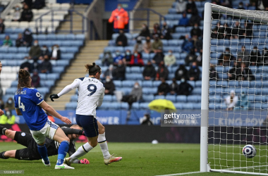Tottenham Hotspur's Welsh midfielder Gareth Bale (C) scores their fourth goal during the English Premier League football match between Leicester City and Tottenham Hotspur at King Power Stadium in Leicester, central England on May 23, 2021. (Photo by Shaun Botterill / POOL / AFP)