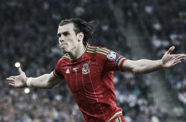 Former Gunner John Hartson urges Arsenal to break the bank for Welsh compatriot Gareth Bale