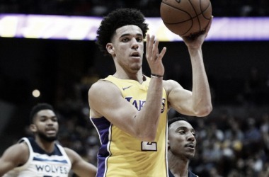 Lonzo Ball durante un partido esta temporada | Foto: NBA.com