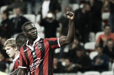 Balotelli comemora gol pelo Nice (Foto: Divulgação/Nice)