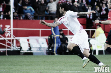 Ever Banega festeja su gol frente a la UD Las Palmas por Liga BBVA   Imagen: Juan Ignacio Lechuga (Vavel.com)