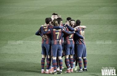 El equipo, en el Camp Nou. Foto. Noelia Déniz.
