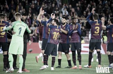 Los azulgranas saludando tras el FC Barcelona 3-0 Liverpool FC / Foto: Noelia Déniz (VAVEL.com)