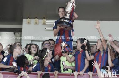 Marta Unzué, capitana del Barça, levantaba la Copa de la Reina la temporada pasada | Foto: Lucía Damiano - VAVEL