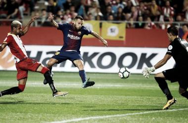 Ramalho, Jordi Alba e Iraizoz en acción durante el Girona 0-3 FC Barcelona / Foto: FC Barcelona