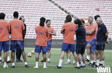Los Barça Legends, en un entrenamiento | Foto: Noelia Déniz - VAVEL