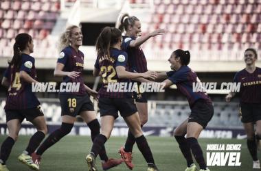 Las jugadoras del Barcelona celebrando el 1-0 de Toni Duggan | Fuente: Noelia Déniz (VAVEL)