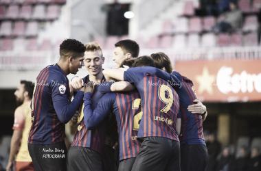 Los jugadores del Barcelona B ante el Alcoyano | Foto: Noelia Déniz (VAVEL)