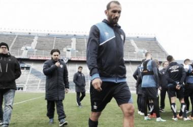 Barcos deja el Amalfitani con un fuerte golpe. Foto: Vélez Sarsfield Página Oficial.
