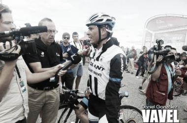 Warren Barguil fue el priemer ciclista en abandonar la Vuelta | Foto: Daniel González-VAVEL.com