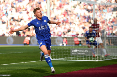 Harvey Barnes celebrates his first-ever Leicester City goal | Photo: Getty/ Jordan Mansfield