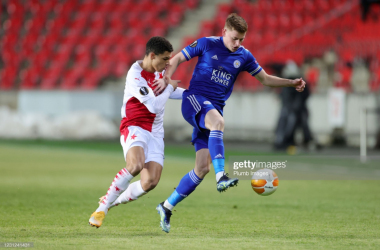 Harvey Barnes competes for possession in the first-leg against Slavia Prague | Photo: Getty/ Plumb Images