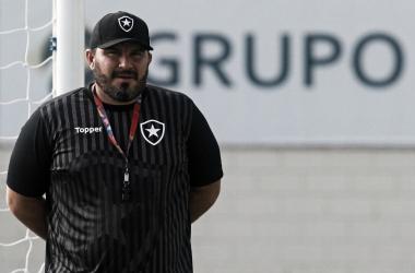 Série de três jogos seguidos no Rio pode ajudar começo de trabalho de Barroca no Botafogo