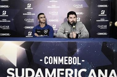 """Barroca comemora vitória, mas admite que o futebol jogado não é o ideal: """"Estágio de evolução"""""""