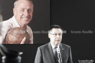 Bartomeu en el homenaje a Cruyff| Fotografía: Ernesto Aradilla (VAVEL.com)