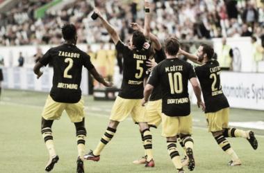 Dortmund não toma conhecimento do Wolfsburg e estreia com vitória fácil